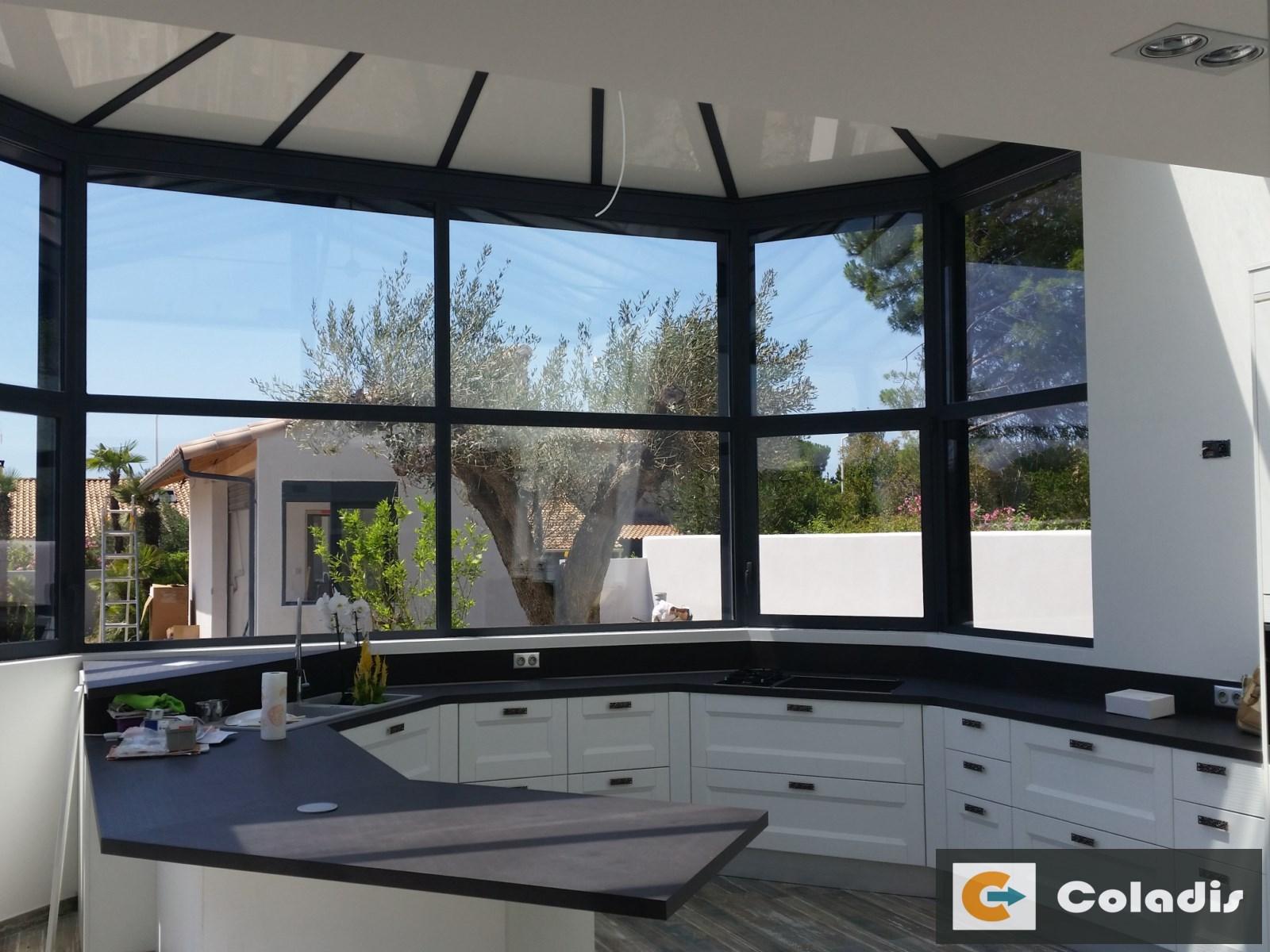 Coladis intérieur véranda aluminium aménagement cuisine vias hérault 34
