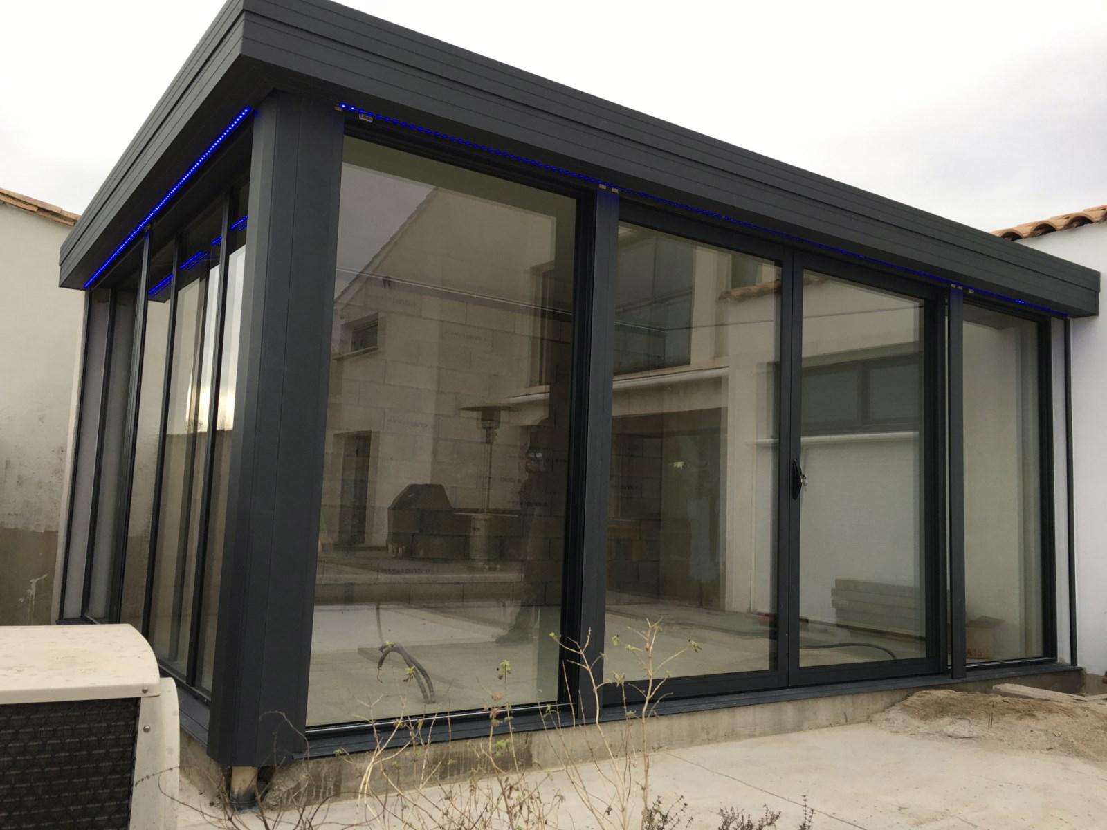 v randa lounge montpellier coladis. Black Bedroom Furniture Sets. Home Design Ideas