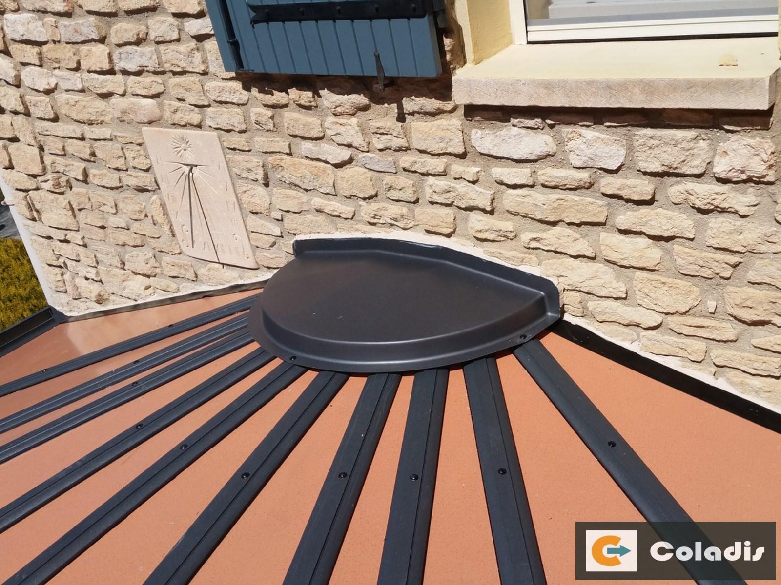 les panneaux isolants de toiture coladis. Black Bedroom Furniture Sets. Home Design Ideas